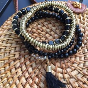 Jewelry - GOLD & BLACK BEADED BRACELET